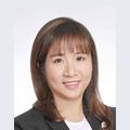 Karen Wan real estate agent of Huttons Asia Pte Ltd