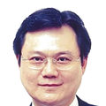 Alex Poh real estate agent of Huttons Asia Pte Ltd